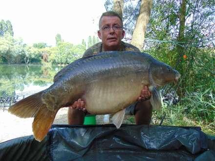 Jimmy Luke 45lb 14oz Mirror Long Lake Les Quis France 2015